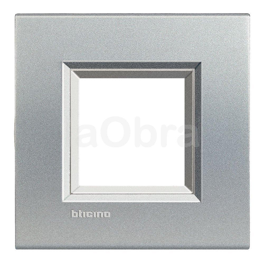 Marco cuadrado aluminio metalizado Bticino Light Tech
